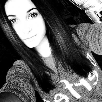 фото красивой девушки лет 16
