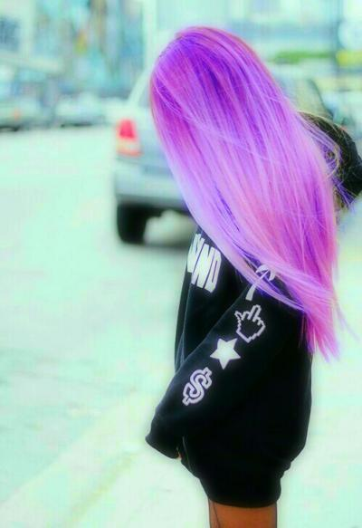 Фото красивых девушек с фиолетовыми волосами на аву