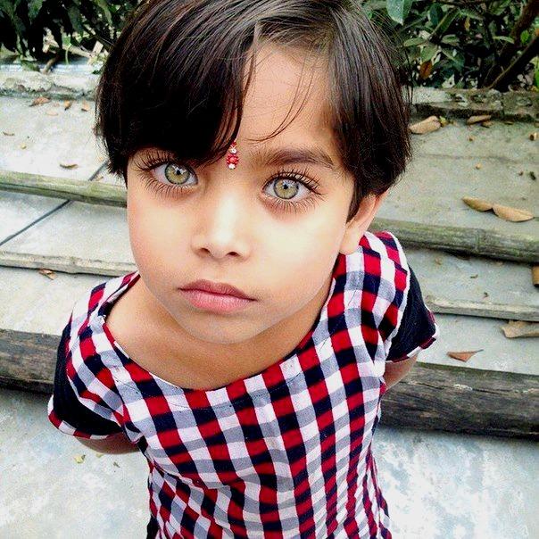 сказать, что редкий цвет глаз у людей фото себя