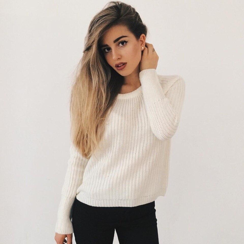 Фото девушки на белом фоне