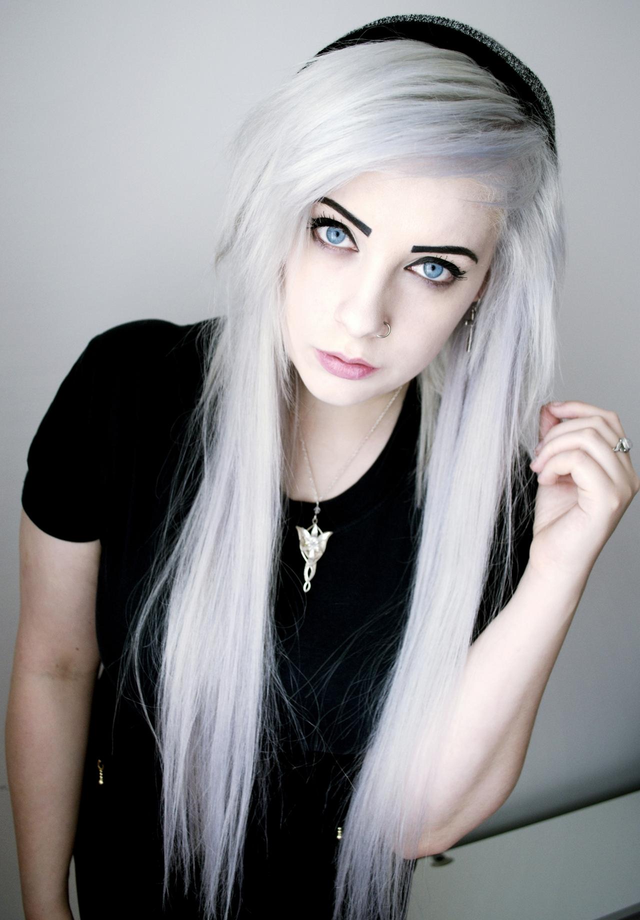 картинки девушек 15 парение не без;  белыми волосами