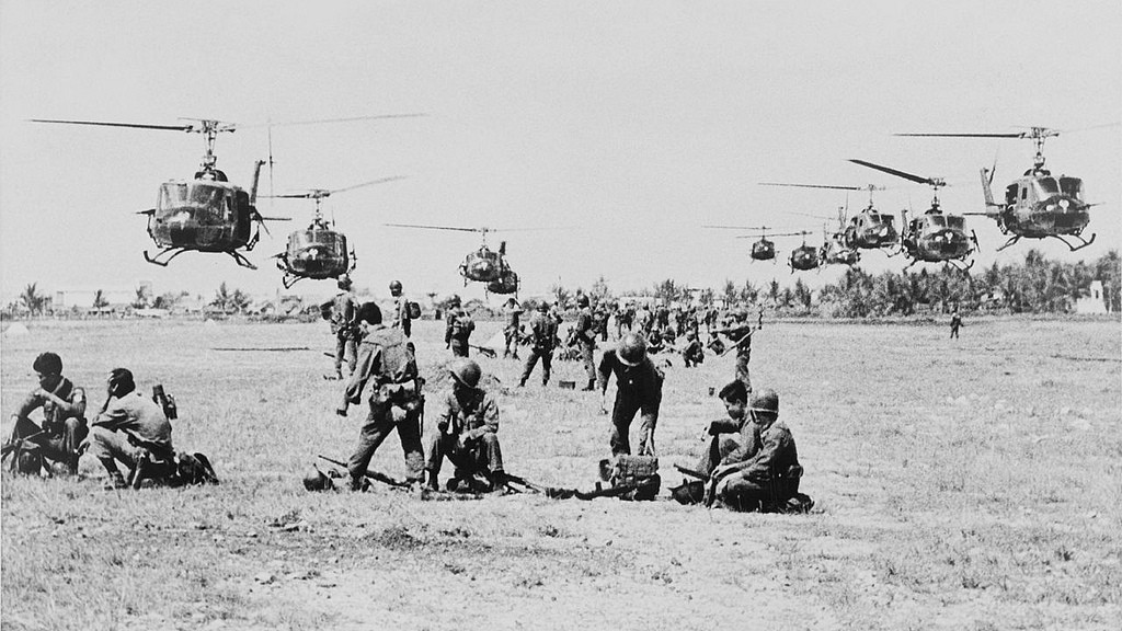 vietnam war vs afghanistan war The vietnam war and the iraq war were fought for different reasons, which makes any comparison moot vietnam was fought to stop the spread of communism and to try to.