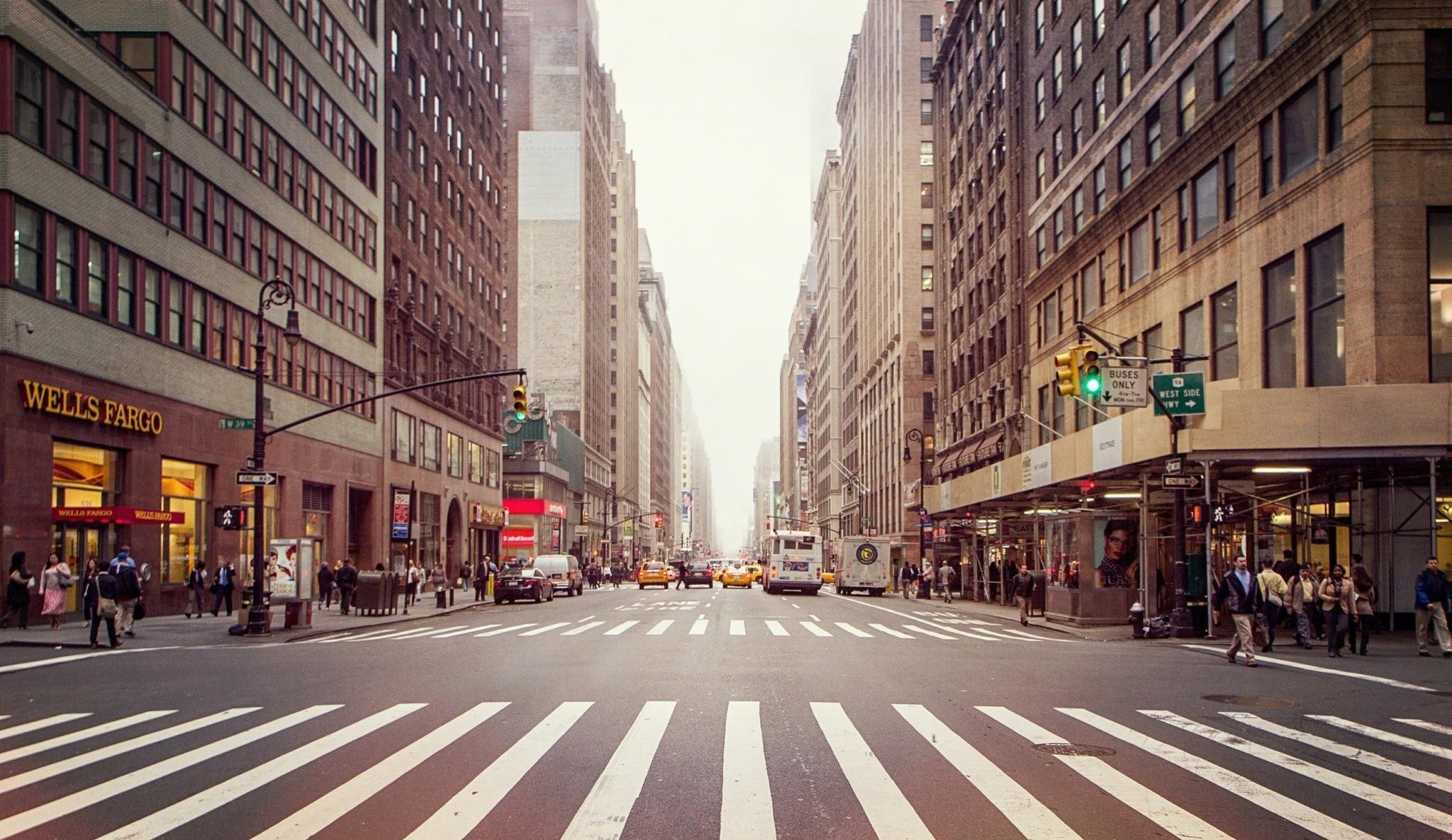 пешеходный переход красный свет  № 1504902 бесплатно
