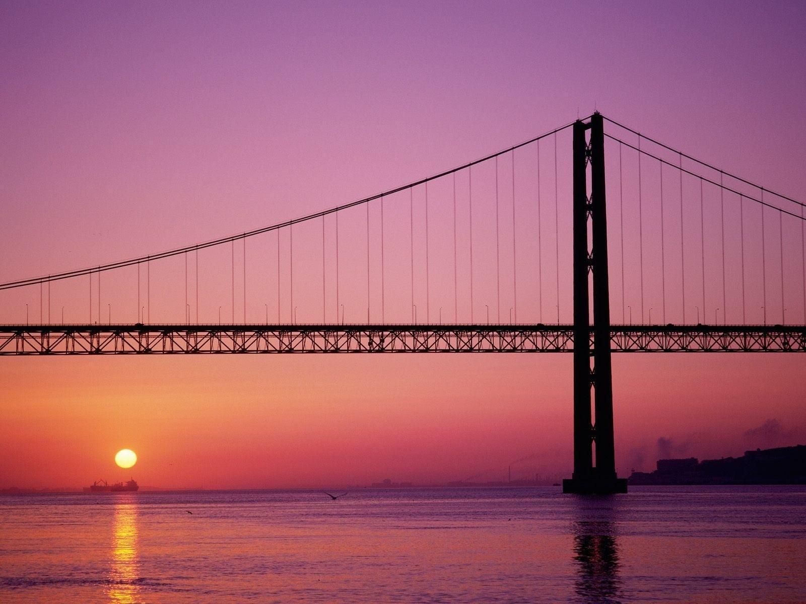 мост на красном закате без смс