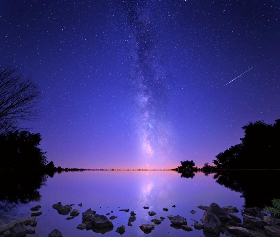 Картинки звездопад над озером весной